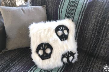 faux-fur-skull-pillow1
