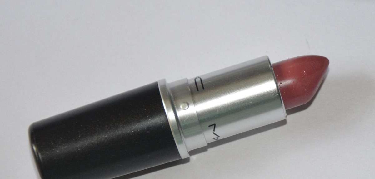 MAC Lipstick in the shade Mehr Review and Swatches