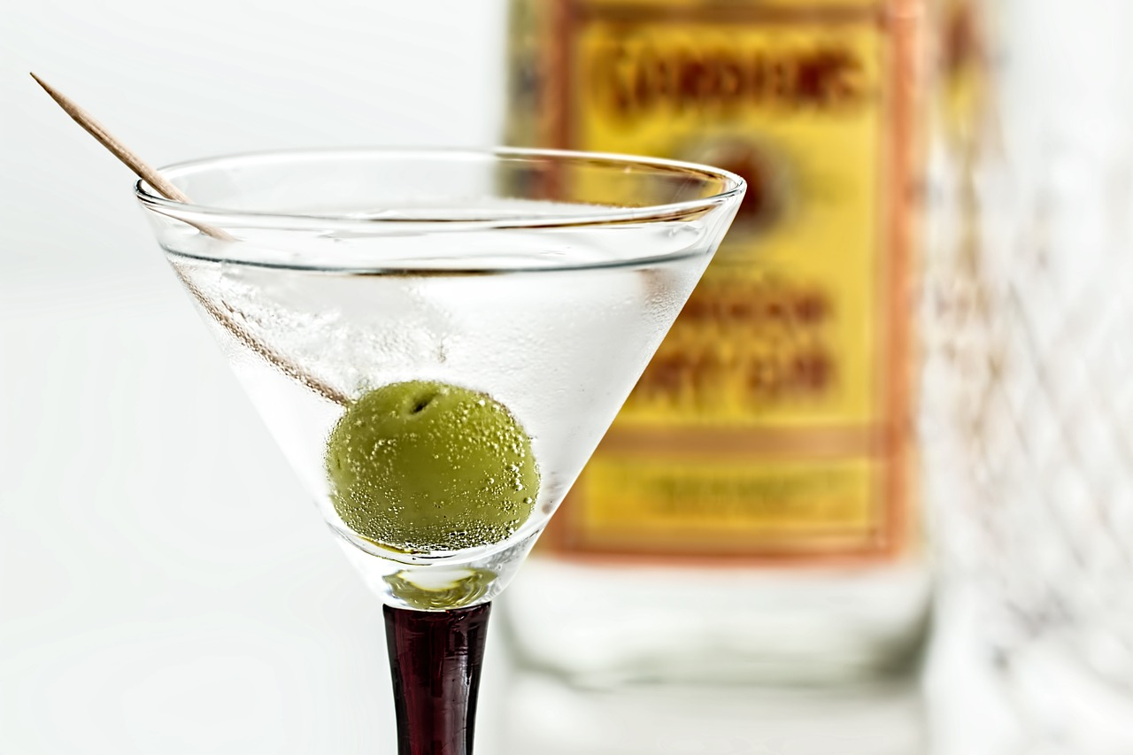 Shaken vs. Stirred – Is There Really a Difference?