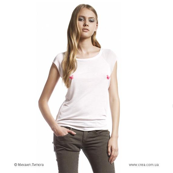 Для тех, чьи достоинства более изящны, нежели увесисты — дизайн футболки на конкурс UNIQLO t-shirts design contest