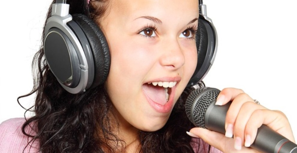 What you need to know about karaoke machines