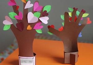 copac cu inimioare colaj din hartie de ziua mamei - activitati creative pentru copii (500x)