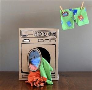 masina de spalat de carton - lume de vis pentru copii din cutii de carton