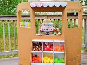 taraba de carton - o lume de vis pentru copii din cutii de carton