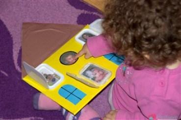 Casuta familiei - activitate pentru copii de la 1 an in sus - ne jucam