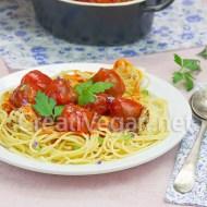 Pasta con albóndigas de trigo sarraceno y garbanzos