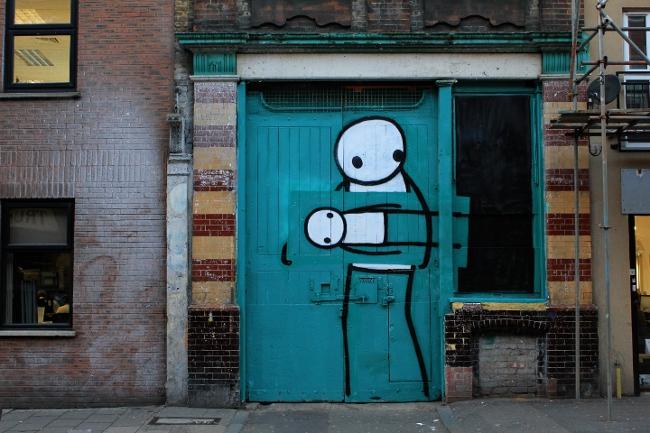 Stik-Street-Art-London-Pitfield-Street-Thief-111