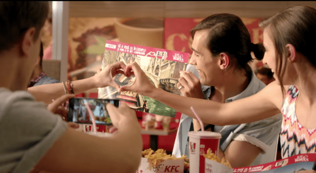 KFC Creates Tray Liner Fakation To Make Your Friends On Social Media Jealous Guerrilla Marketing Photo