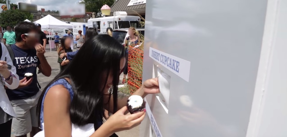 Zappos Challenges Google In Clever Guerrilla Marketing Campaign #paywithacupcake Guerrilla Marketing Photo