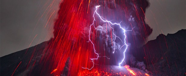 Volcanic Lightning Photographed by Martin Rietze