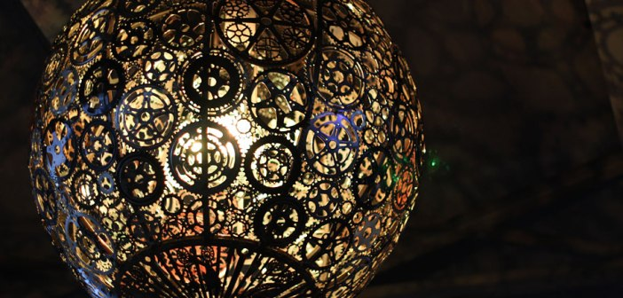 recycled-bike-part-chandeliers-4