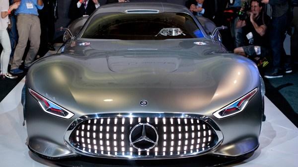 Mercedes-Benz-AMG-Vision-Gran-Turismo-Concept-front-profile