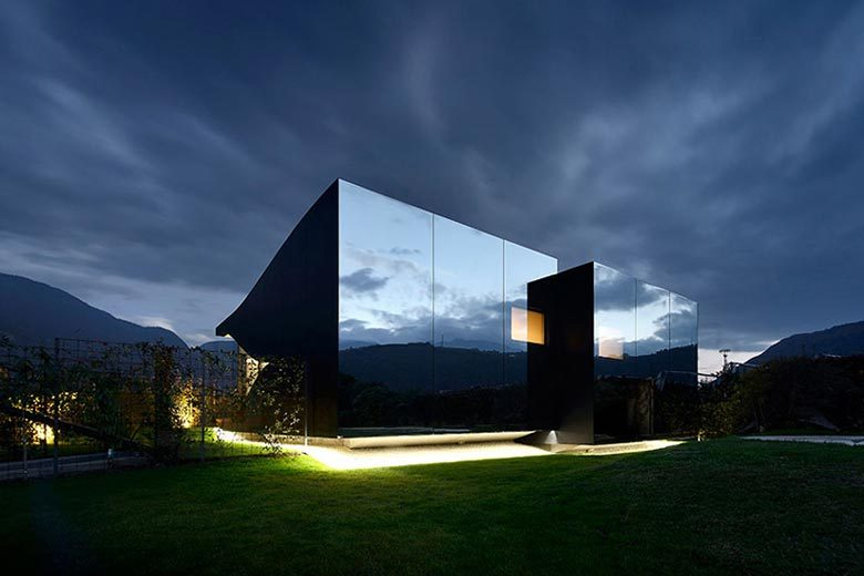 mirror-houses-peter-pichler-northern-italy-01