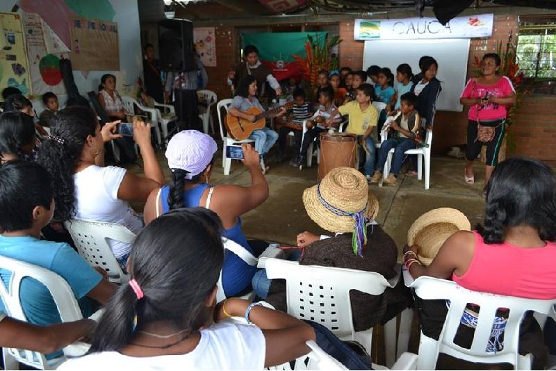 Estudiantes del Centro de Formación Intercultural Comunitario Kuet Kina Socializaron Proyecto Investigativo a la Comunidad