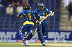 Kushal Perara and Dilshan running hard between wickets