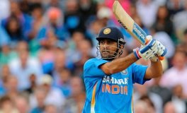 Dhoni wins Asian award 2014 for sports