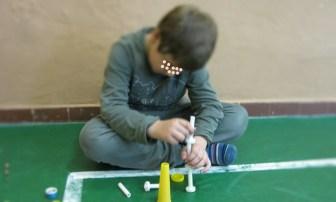 Inked10 bambino crea con i materiali scelti_LI