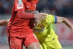 Romario Kortzorg (S), de la Dinamo, se lupta pentru balon cu Alexandru Bourceanu (D), de la Steaua, in timpul meciului de fotbal din sferturile Cupei Romaniei, disputat pe stadionul Stefan cel Mare din Bucuresti, joi, 3 martie 2016. ALEXANDRU DOBRE / MEDIAFAX FOTO