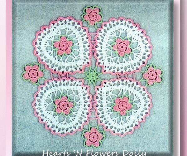 Hearts 'N Flowers Doily   <br /><br /><font color=
