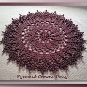 Pyramid Crowns Doily (second view)
