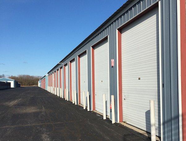 Cross Creek Self Storage Holland Facility