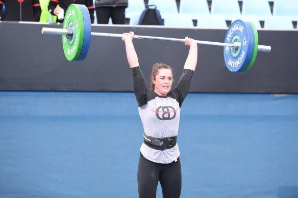 Steph hitting up a brand new PR on the Clean & Jerk with a cool 79.5kg! . Pic: The CrossFit Games.