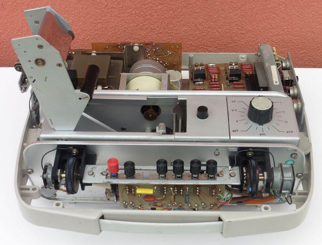 elektrokardiograf_ei_ecg_100t_08