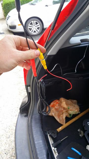 Installing rear-view / reverse camera - where\u0027s to tap in for power?