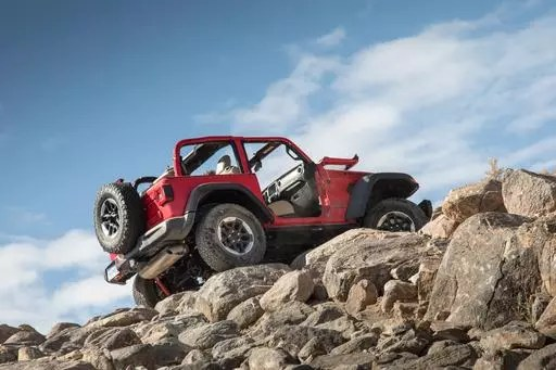 2018 Jeep Wrangler First Drive Better on the Road, Best on the