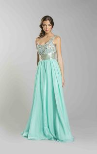 Long prom dress for short girl