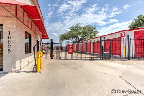 Self Storage Units From 44 At 10025 Manchaca Rd In