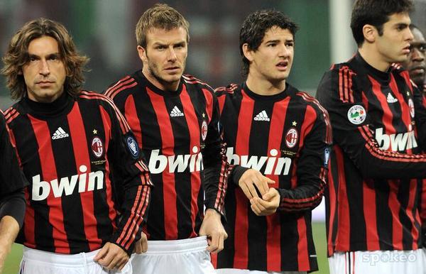 No hace mucho tiempo. Un Milan repleto de figuras, elemento que hoy escasea.