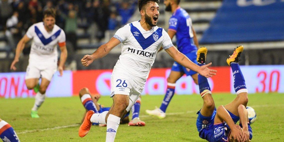 Festeja Vargas, sonríe todo Vélez.