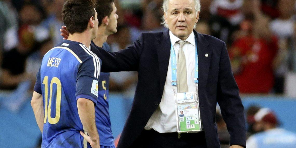 """Desazón: """"Pachorra"""" consuela a Messi."""