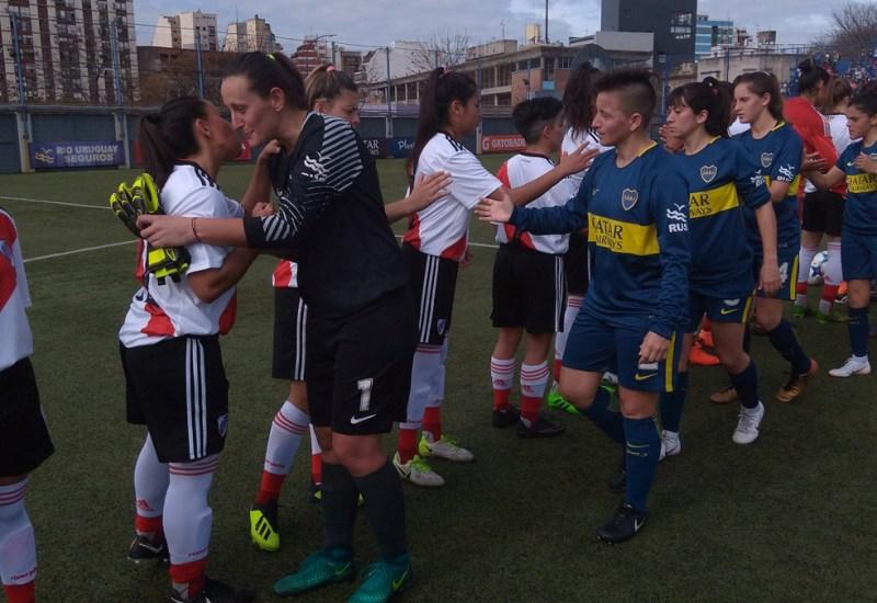 El fútbol femenino dio el puntapié inicial