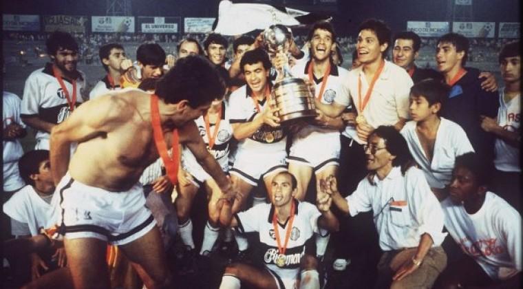 El festejo de Olimpia, tras ganar su segunda Libertadores