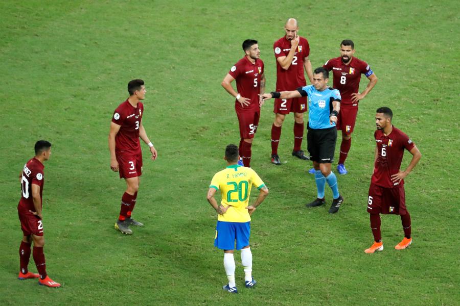 Bascuñan y el VAR fueron los protagonistas del partido