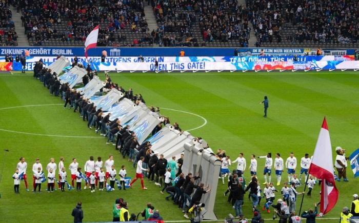 Recreación de la Caída del Muro en el Olympiastadion
