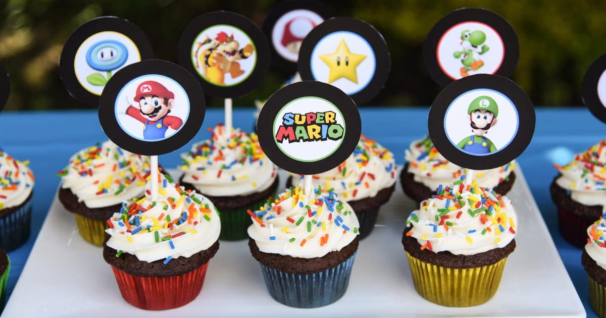 Super Mario Bros Cupcakes with Free Printable Toppers