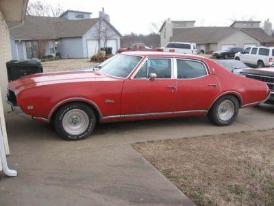 Olds Cutlass 1969 sedan