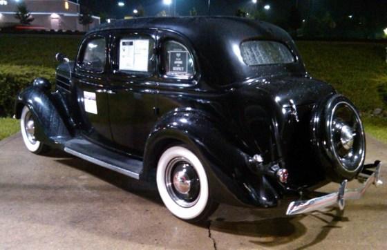 1936FordDeLuxe05