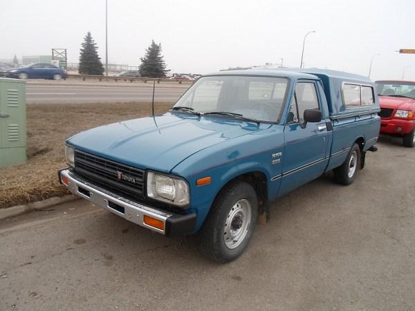 curbside classic 1982 toyota diesel pickup. Black Bedroom Furniture Sets. Home Design Ideas