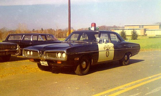 CTManchesterPolice1970Dodge01-vi