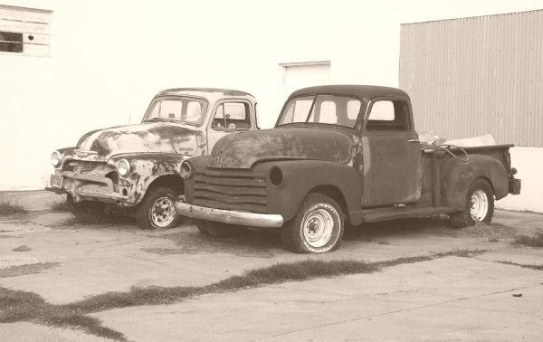 001 Chevy Pickups Cuero TX 120224_1000