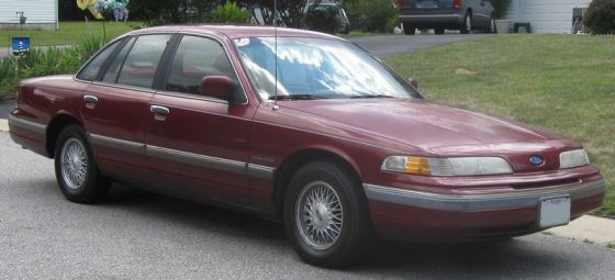 1992_Ford_Crown_Victoria_LX