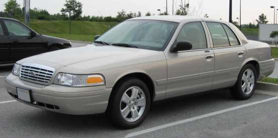 2007_Ford_Crown_Victoria_LX