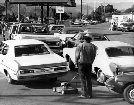 Energy Crisis GasStationLine1974-thumb-468x367