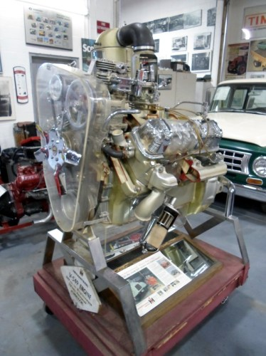 International 549 engine cutaway