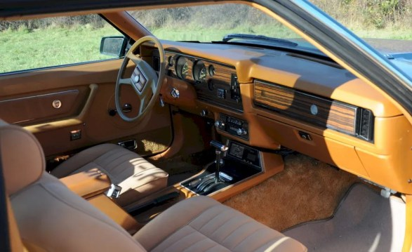 1979_mustang tan interior