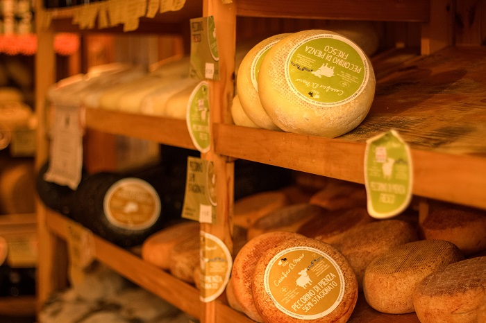 pecorino cheese shop Pienza (2)
